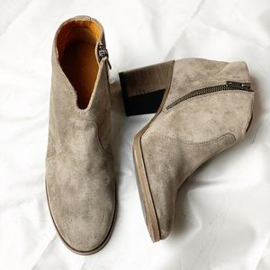 New Frye Leather Suede Ankle Booties Taupe 6